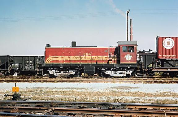 Boston & Maine ALCO S-5 No. 864 in Boston in September of 1965. Photo by Roger Puta.