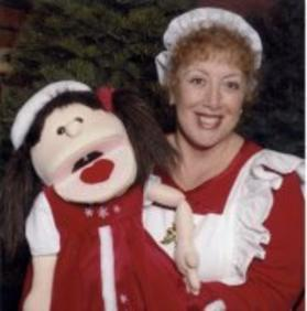 Hire Mrs Santa with her 2 delightful Holiday puppets