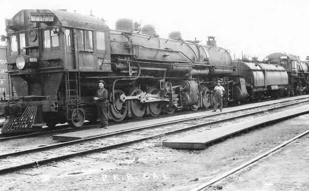 Photo of Southern Pacific MC-6 class cab forward mallet locomotive No. 4030.