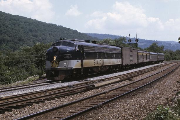 Baltimore & Ohio Train No. 11, the Metropolitan at Bond Tower, Maryland, July of 1969.