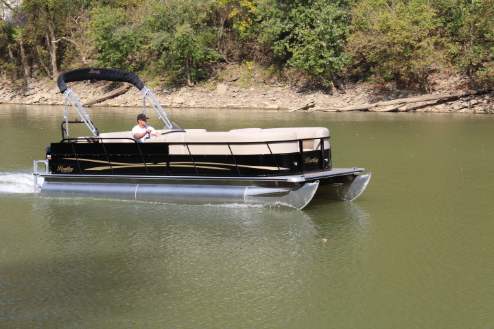 New bentley pontoons color choices black maroon red champagne blue green yellow and white interior choices beige se grey se and white railing color choices silver mozeypictures Images