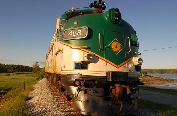 Central Maine Motors >> EMD FL9 Dual-Powered Locomotive