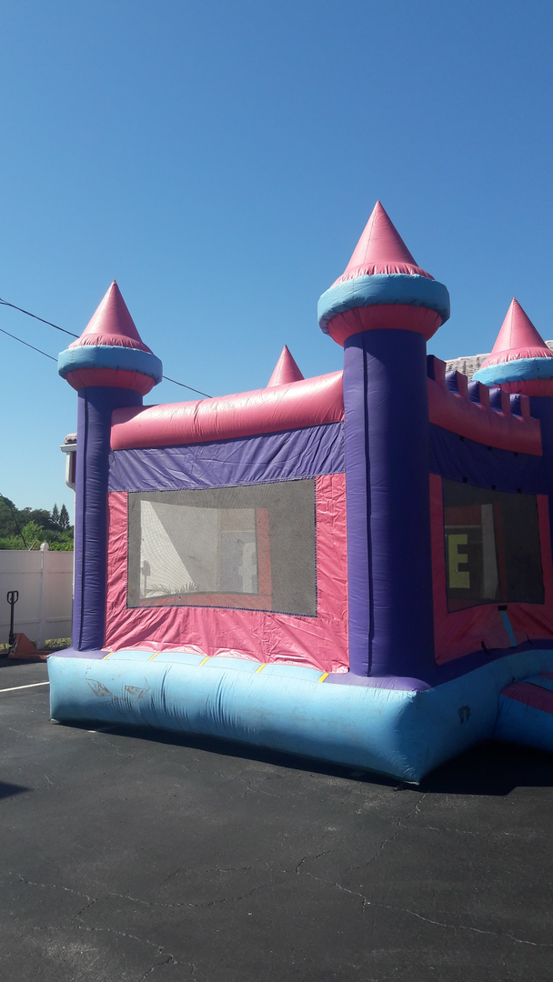 Hire Bounce House on Rentals in Tampa, Florida