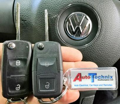 VW Transporter T5 - Replacement 2 button remote flip key