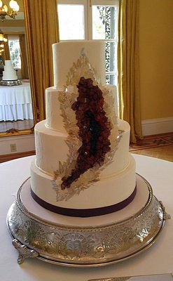 Vintage bakery llc bakery columbia sc wedding cakes columbia sc by appointment only no drop ins please made fresh by special order no walk in counter sales home wedding cake photos junglespirit Images