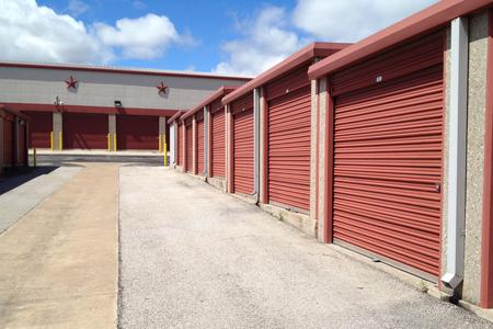 Spaces used for vehicle storage in Lakeway, TX