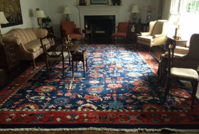 Decorating with an oriental rug
