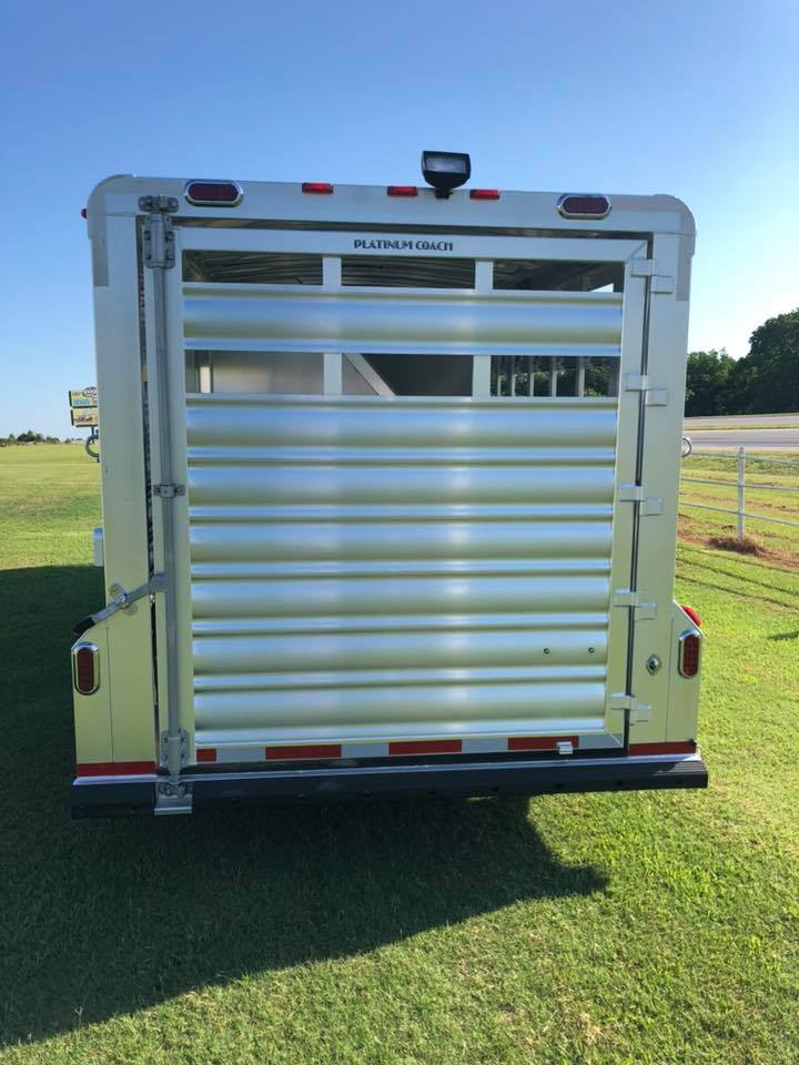 Trailers with Living Quarter at Cowboy Rigs