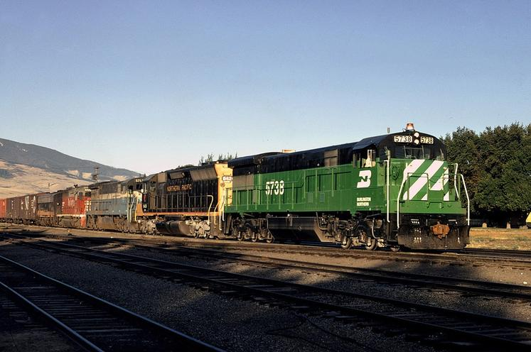BN No. 5738 leads a freight train through Livingston, Montana. Photo by Drew Jacksich.