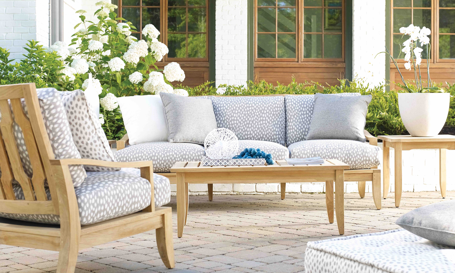 Kospia Farms, Lane Venture Heritage Home Group Outdoor Furniture