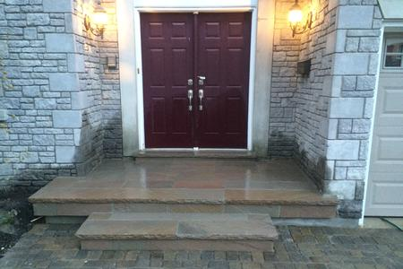 Porch flagstone in Aurora, Newmarket, Richmond Hill, Bradford, Stouffville, Vaughan, Markham, King City, GTA.