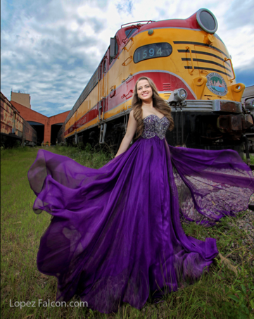 QUINCES TRAIN STATION MIAMI QUINCEANERA QUINCES PHOTOGRAPHY