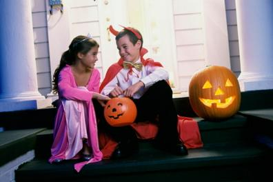 Hire a Halloween Magician, Witch, Costumed Pumpkin or The Ghostly Trio for your Autumn Festival