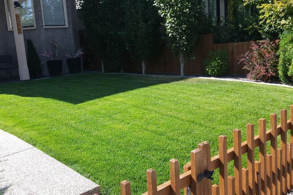 Calgary Lawn Care | FT Property Services Inc.