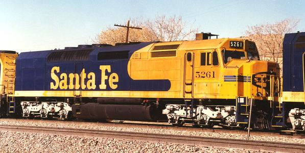 Santa Fe 5261, an SDF40-2, working in a freight train in California in the late 1980s.