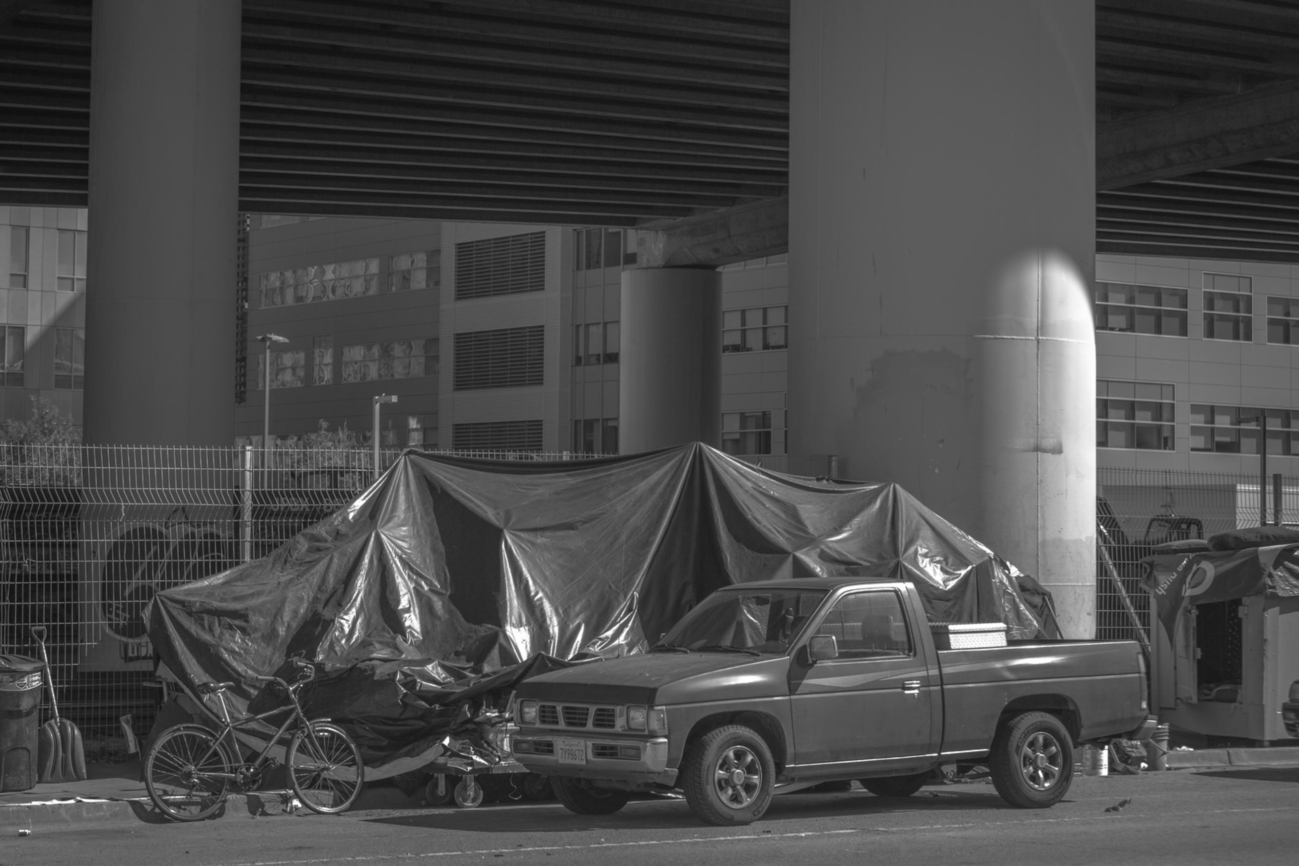 homeless in san francisco streets tent