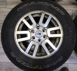 STOCK 4029 FORD EXPEDITION RIMS AND TIRES USED