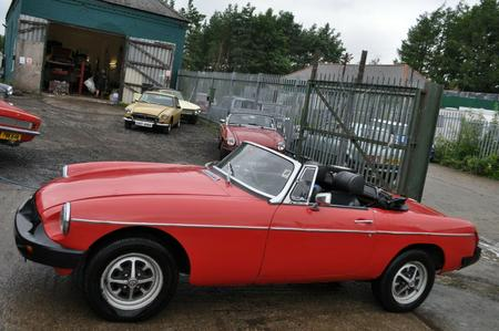 1975 MG MGB ROADSTER IN RED TAX EXEMPT GOOD SOLID CLASSIC CAR
