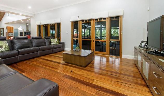 Photo Gallerycustom Inlays And Borderstile Floorshardwood Floors