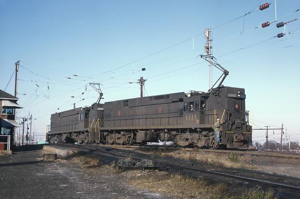 Penn Central E44s No. 4414 and No. 4465 going over the hump at RF&P Potomac Yard, Alexandria, VA on November 16, 1969. Photo by Roger Puta.