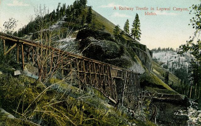 Postcard depiction of a Camas Prairie Railroad trestle in Lapwai Canyon.