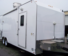 25' Trailer Mobile Kitchen Rental