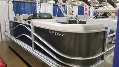 SunCatcher G3 boat V16C pontoon powered by Yamaha