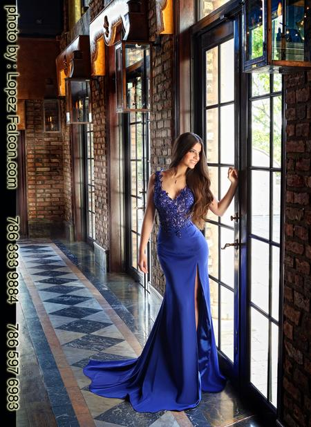 quinces cruz building quinceanera photography video dress