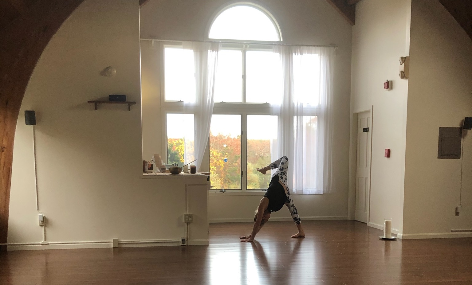 Nackt yoga elke