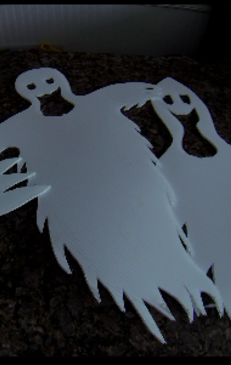 Easy, inexpensive, weatherproof Halloween Ghost decorations. www.DIYeasycrafts.com