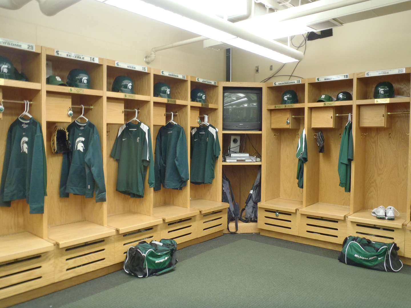 athletic locker facilities baseball kinesiology room