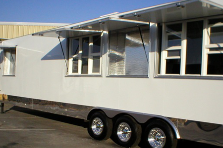 Mobile Kitchen for Rent: Freedom 46' Exterior View