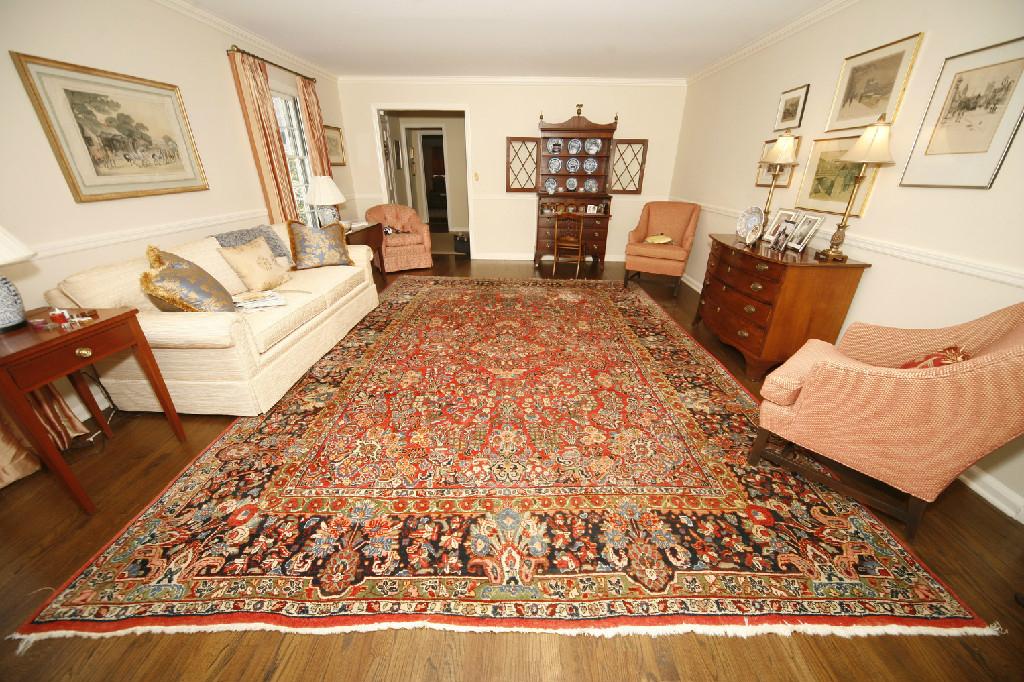 We Buy Sell Oriental Persian Rugs Serur S Antique Rugs