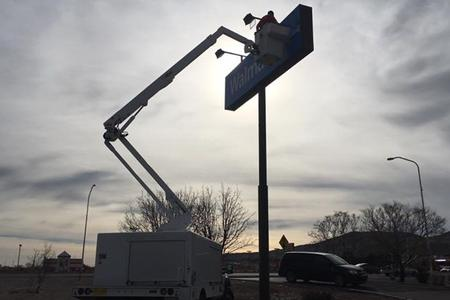 One of our sign repair experts in Albuquerque, NM