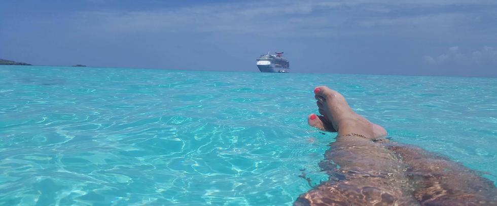 Crushed Apple Cruises at Half Moon Cay