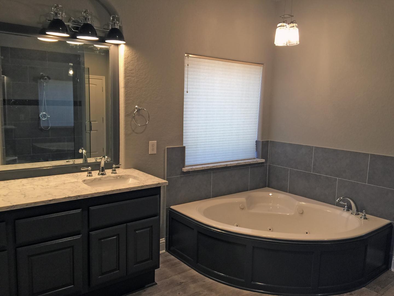 Residential Home Bathroom Remodeling In San Antonio Texas - San antonio bathroom remodeling companies