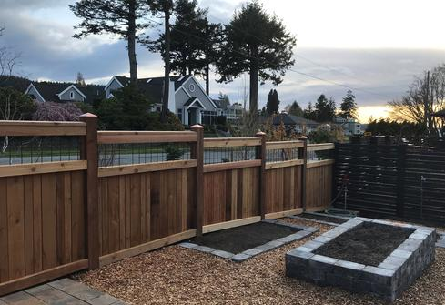 Western Red Cedar Fence with Welded Wire