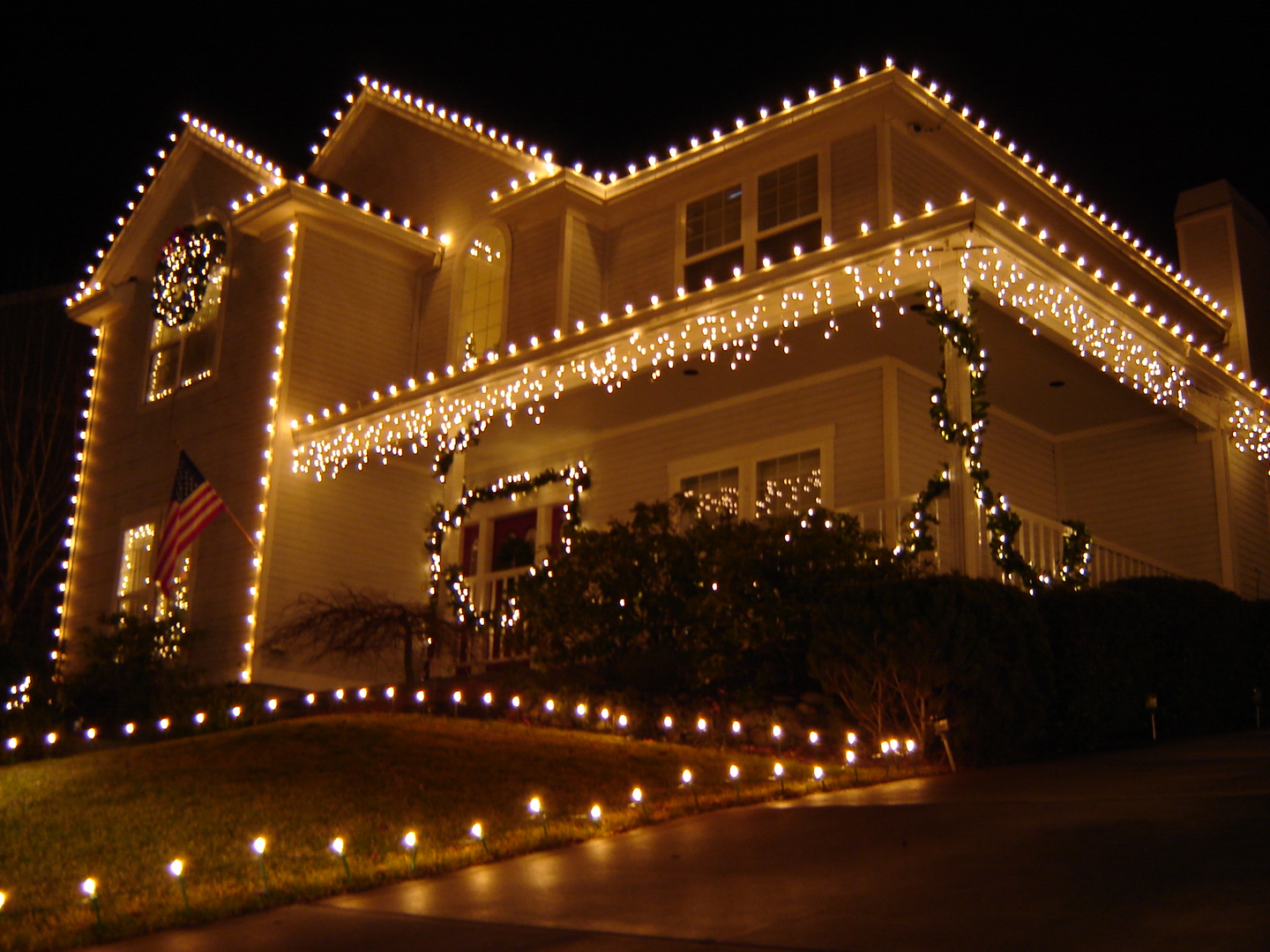 Holiday Lighting Boise Idaho | www.lightneasy.net