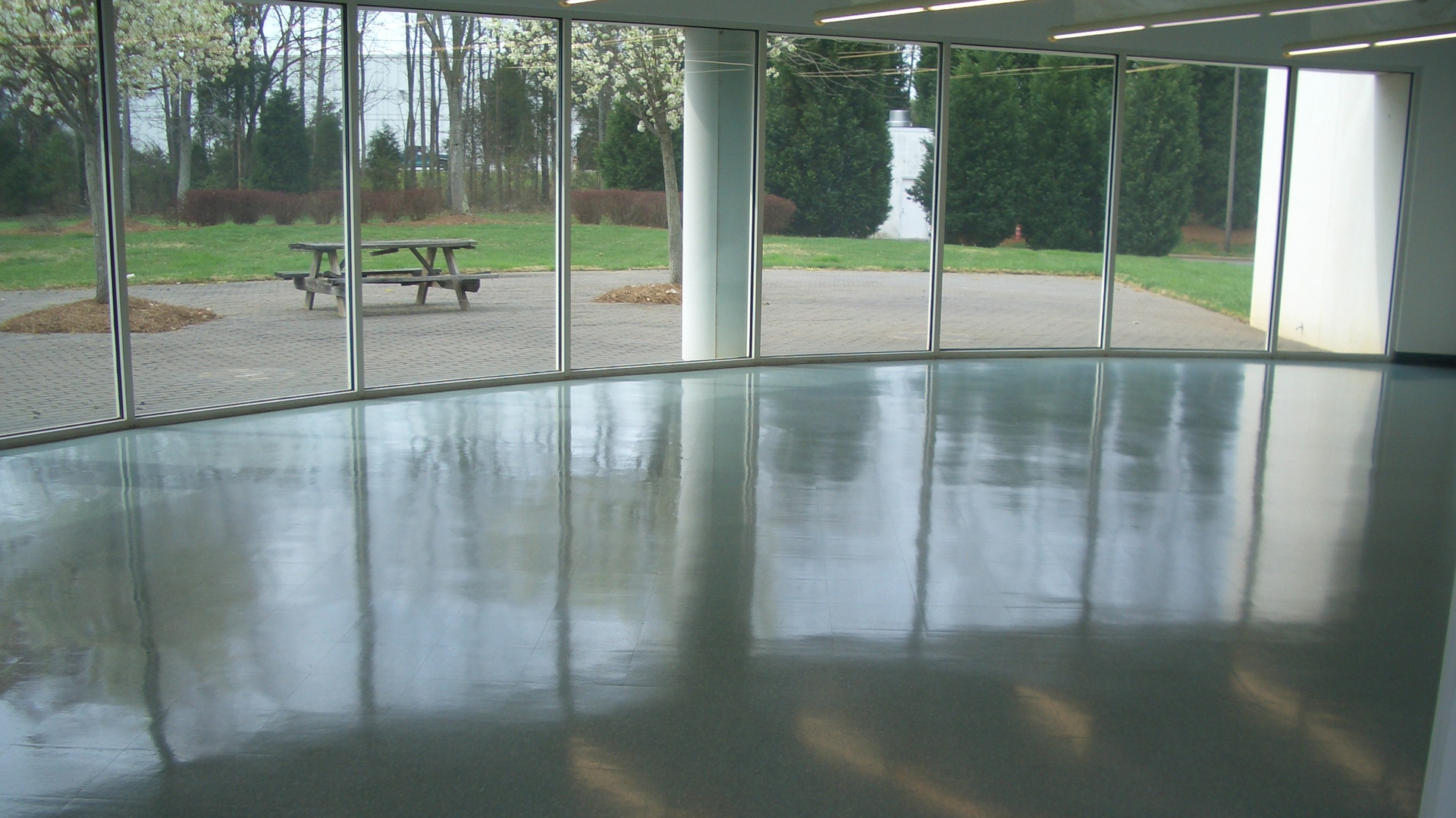 Vct vinyl floors stripping waxing and sealing services in los linoleum and vinyl flooring services dailygadgetfo Images
