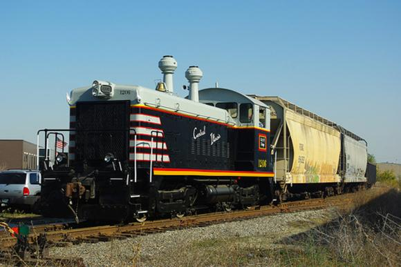 On its maiden run for the Central Illinois Railroad, EMD SW9 No. 1206 rests atop the hill to Western avenue yard, October 31, 2008
