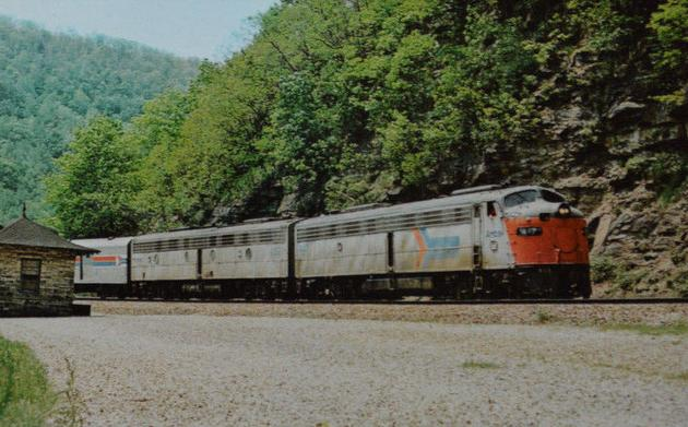 A postcard photo of Amtrak's National Limited at Horseshoe Curve in 1977.
