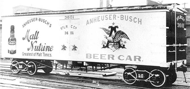 A builder's photo of an ACF refrigerator car from before 1911.