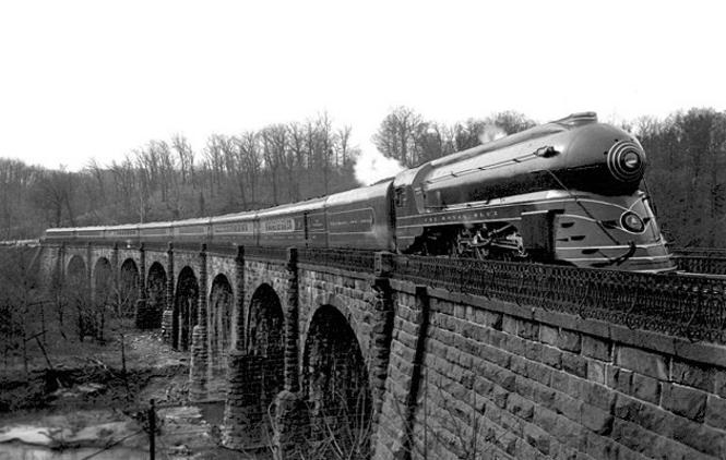 The Royal Blue on the Thomas Viaduct, south of Baltimore, in a posed 1937 publicity photo. The locomotive is P-7a class No. 5304, streamlined by Otto Kuhler.