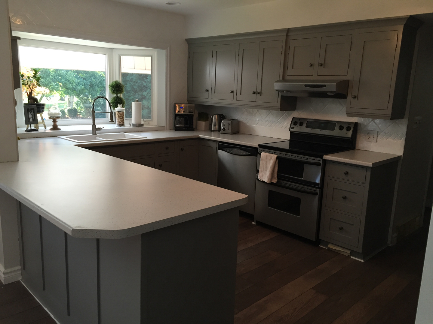 kitchen cabinet painters windsor - kitchen cabinet spray painting