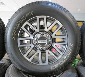 Ford F-250 F250 Superduty 8 lug with michelin