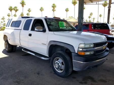 2001 Chevrolet Silverado C3500 Ls Extended Cab With Shell