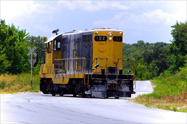 This is an EMD GP7 which belonged to the Southeast Kansas Railroad (reporting mark SKER) and is now part of the South Kansas and Oklahoma Railroad.