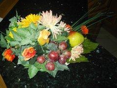 DINNER TABLE FLOWER ARRANGEMENT WITH FRUIT