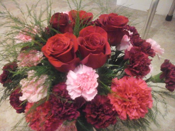 Roses and Carnations flower bouquet