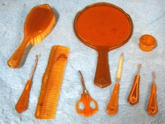 Vanity Set, Bakelite, 8 pieces B2119